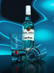 Фото: Бутылка рома «Bacardi».