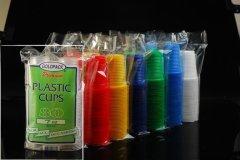 Фото: Одноразовые пластиковые стаканчики.