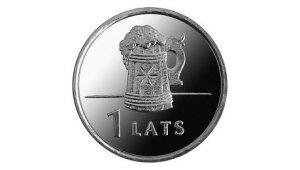 Фото: монета достоинством в 1 лат с изображением кружки пива