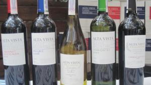 Фото: вина Alta Vista в Киеве