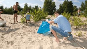 Фото: акция `Save the beach (Спаси пляж)` от пива Corona