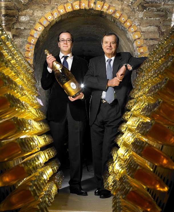 Фото: Frederic Rouzaud & Jean-Claude Rouzaud в шампанских подвалах среди бутылок Cristal