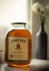 Фото: Виски «Jameson» в 3-х литровой банке/