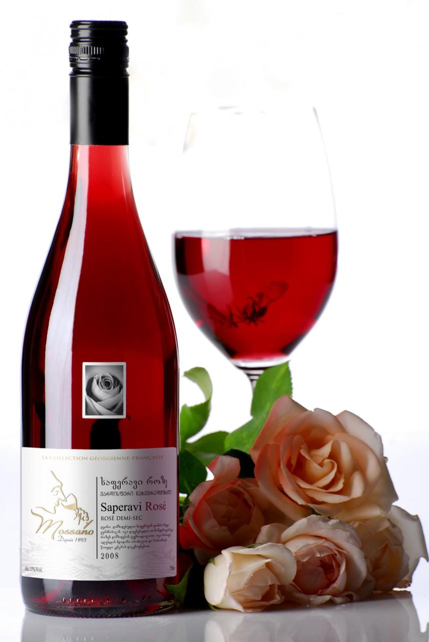 Фото: «Саперави» (საფერავი) — красное вино из Грузии.
