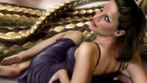 Фото: Женщина и змея.