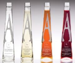 Фото: Водки «Alchemia Crysta», «Alchemia Ginger», «Alchemia Chocolate» и «Alchemia Wild Cherry».