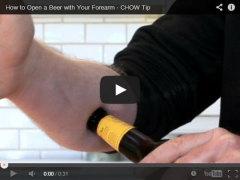 Фото: Как открыть пиво голыми руками.