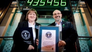 Фото: Рекорды пива «Guinness» — отмечен «Самый дружелюбный день в году».