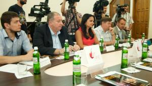 Фото: 3 июня 2012 года в Киеве состоялся круглый стол на тему: «ART WINE 2012 — новый импульс развитию виноделия и винного туризма Украины»