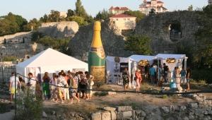 Фото: Открылся первый международный фестиваль винного искусства «ART WINE FEST 2012»