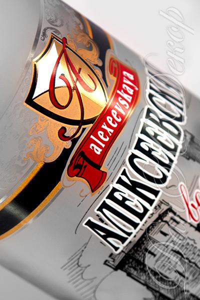 Фото: «ДанКо Декор» оформил бутылки для «ЧЛГЗ «Чернігівська горілка».