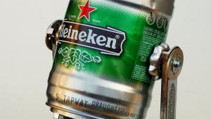 Фото: Робобир от «Heineken» — R2-D2.