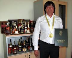 Фото: «Голицынский лауреатов» директор ПАО «Дом марочных коньяков «Таврия» — Виталий Кошелев.