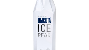 Фото: Золотой дубль водки «Высота Ice Peak».