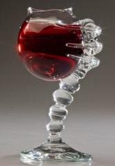 Фото: Необычный винный бокал.