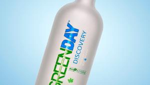Фото: Декорирование бутылок для «Green Day Discovery».