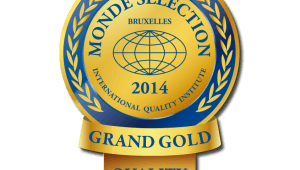 Фото: «Monde Selection 2014» принес водке «Russian Diamond» — «Grand Gold Quality Award».