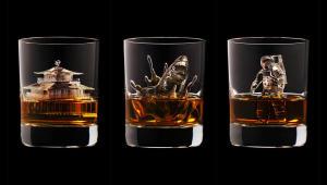 Фото: «Suntory Whisky 3D» — виски из Японии рекламируют оригинальными фигурками изо льда.