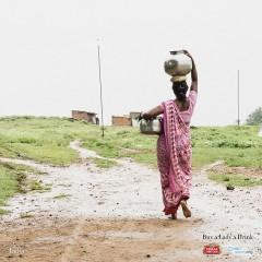 Фото: «Stella Artois» запустила первую международную социальную кампанию «Угости леди напитком».