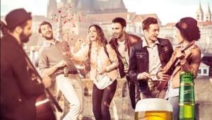 Фото: У премиального пива «Staropramen» новая имиджевая кампания.