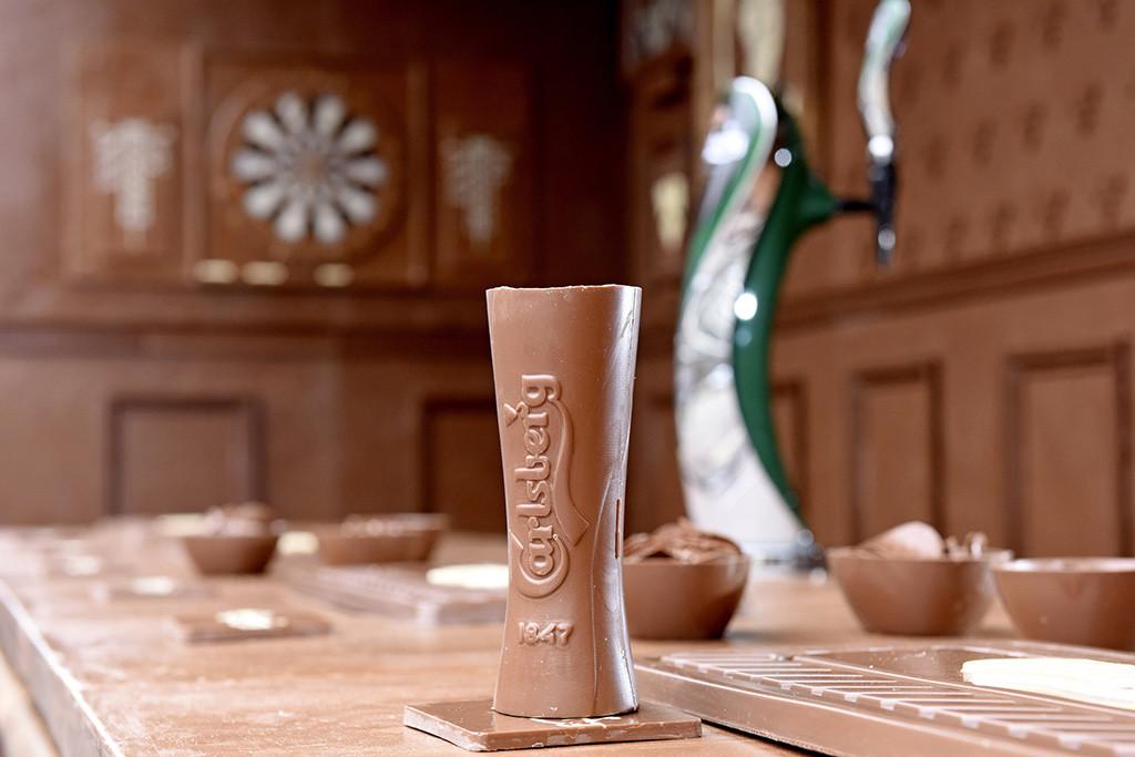 Фото: Carlsberg создал временный бар из настоящего шоколада!