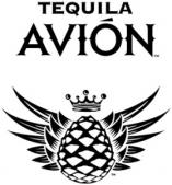 Фото: Логотип текилы «Tequila Avion».