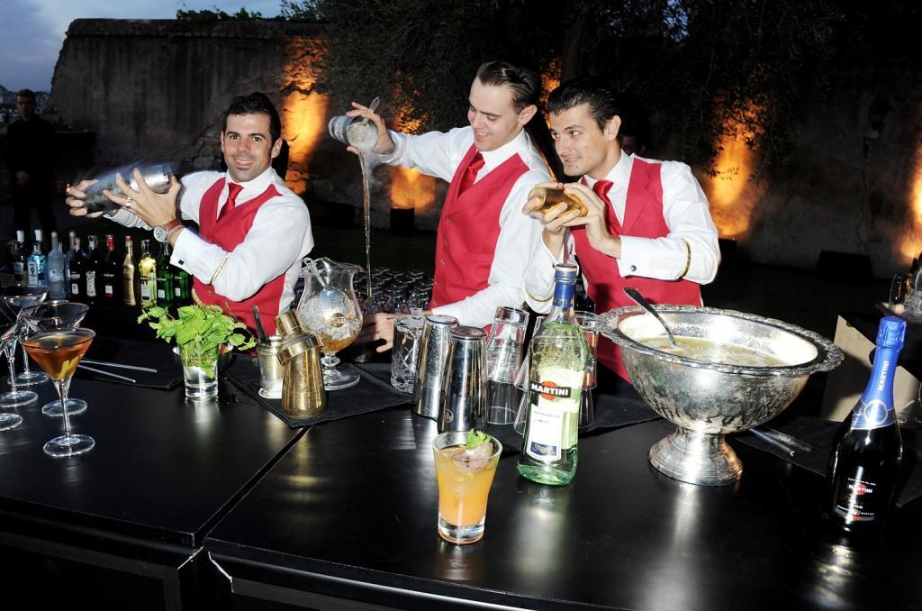 """Фото: В начале сентября в Риме состоялась презентация новой рекламной кампании MARTINI """"УДАЧИ НЕТ. ЕСТЬ ТОТ, КТО ЕЕ СОЗДАЕТ"""" (LUCK IS AN ATTITUDE)."""