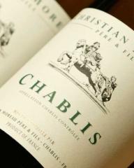 Фото: Французские вина «Шабли»(«CHABLIS»).