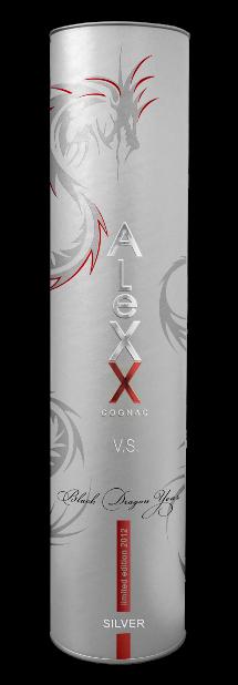 Фото: Коньяк «ALeXX» покрылся драконами.