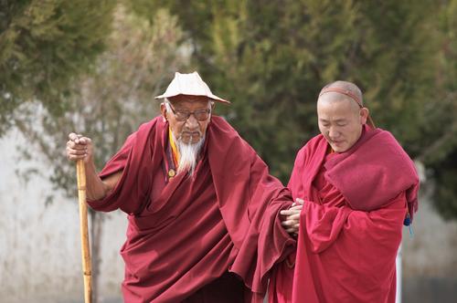 Фото: Два китайских монаха.