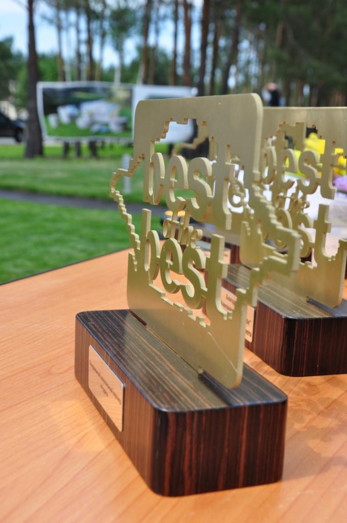 Фото: Выбор «Best of The Best» отмечали гавайским ромом.