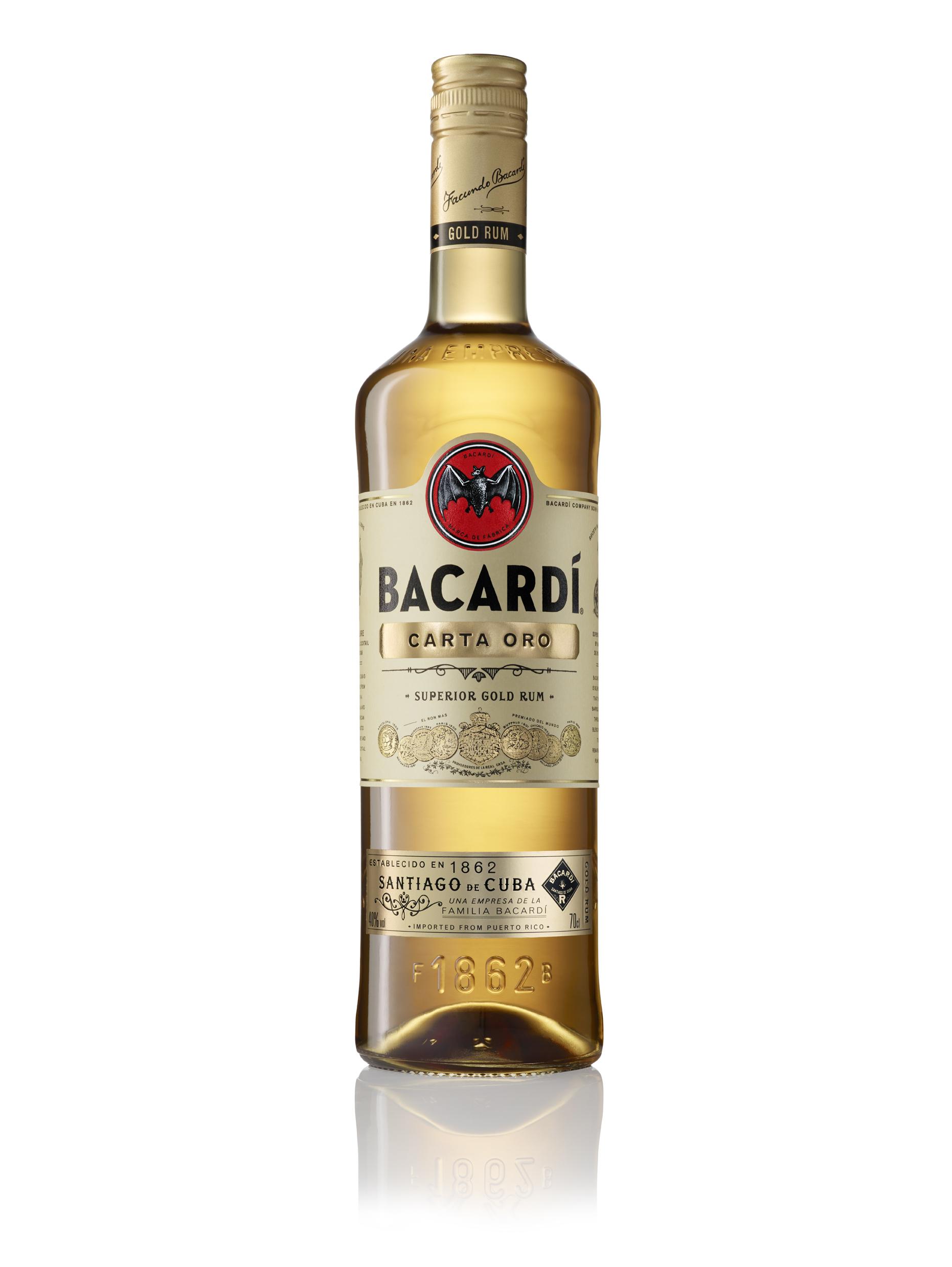 Фото: «Bacardi Carta Oro Hero» — новая бутылка — тот же превосходный вкус и неукротимая страсть с 1862 года.